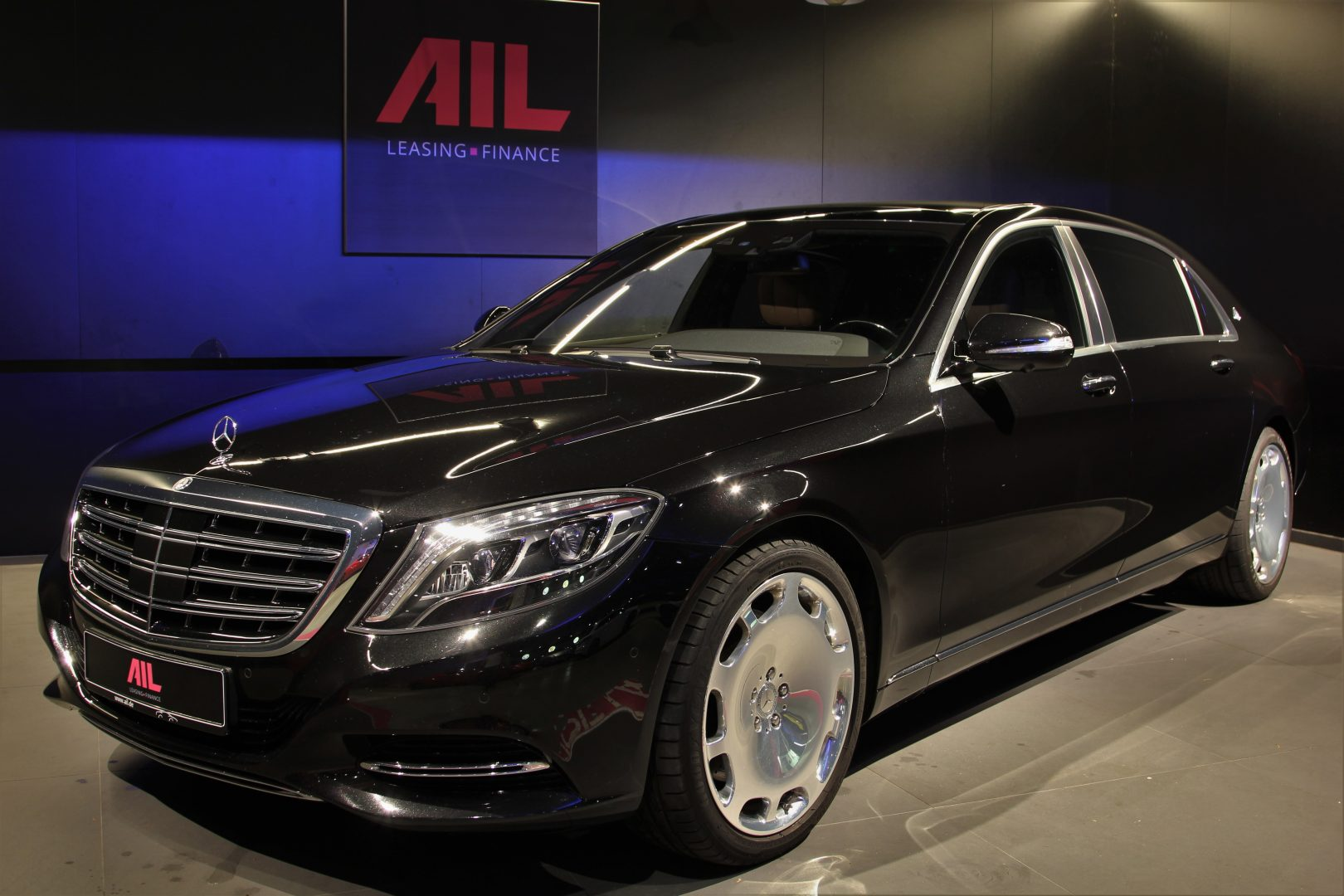 AIL Mercedes-Benz S 500 Maybach First-Class Fond RSE 15