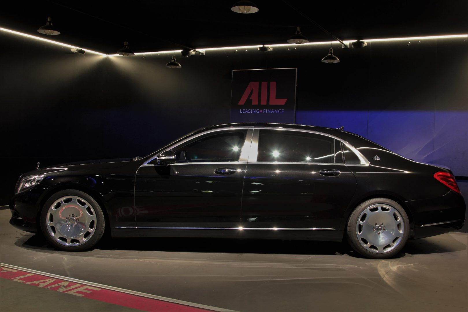 AIL Mercedes-Benz S 500 Maybach First-Class Fond RSE 5