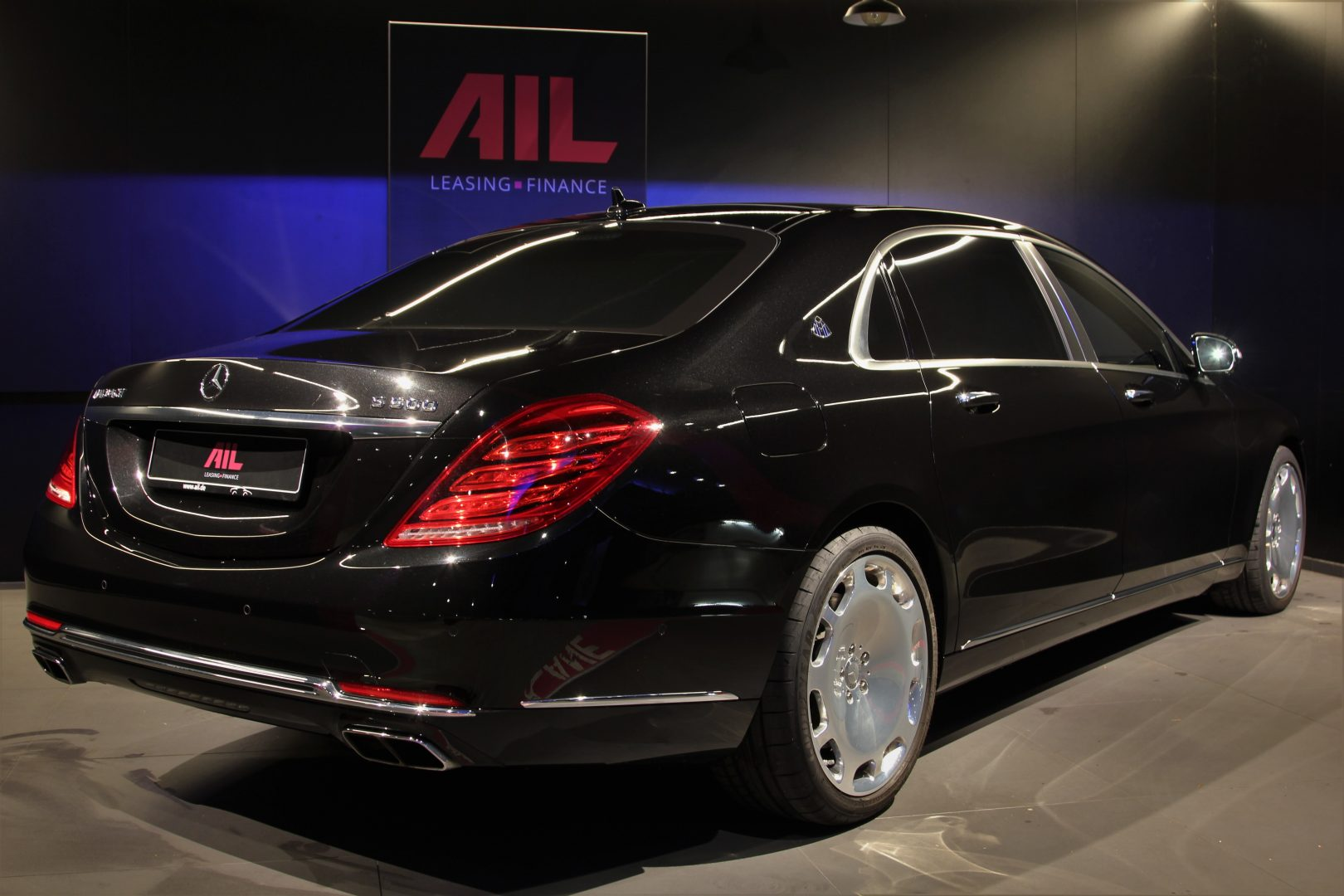 AIL Mercedes-Benz S 500 Maybach First-Class Fond RSE 8