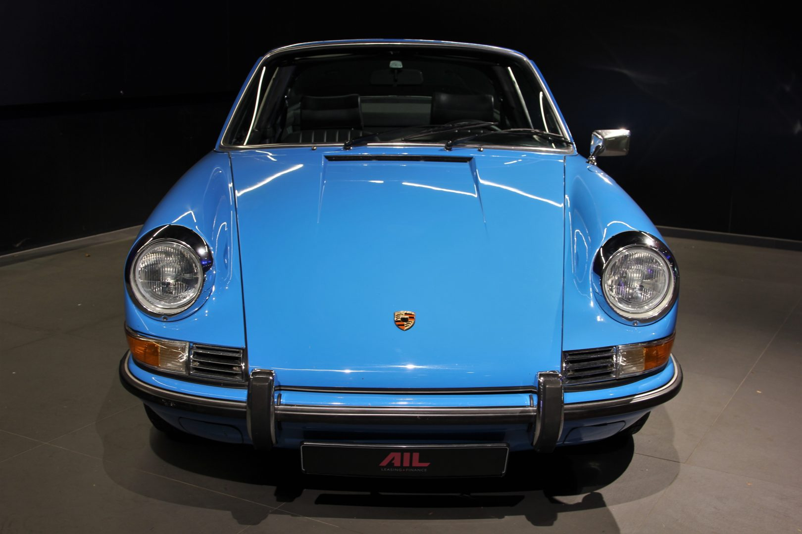 AIL Porsche 911 T Oelklappe  8