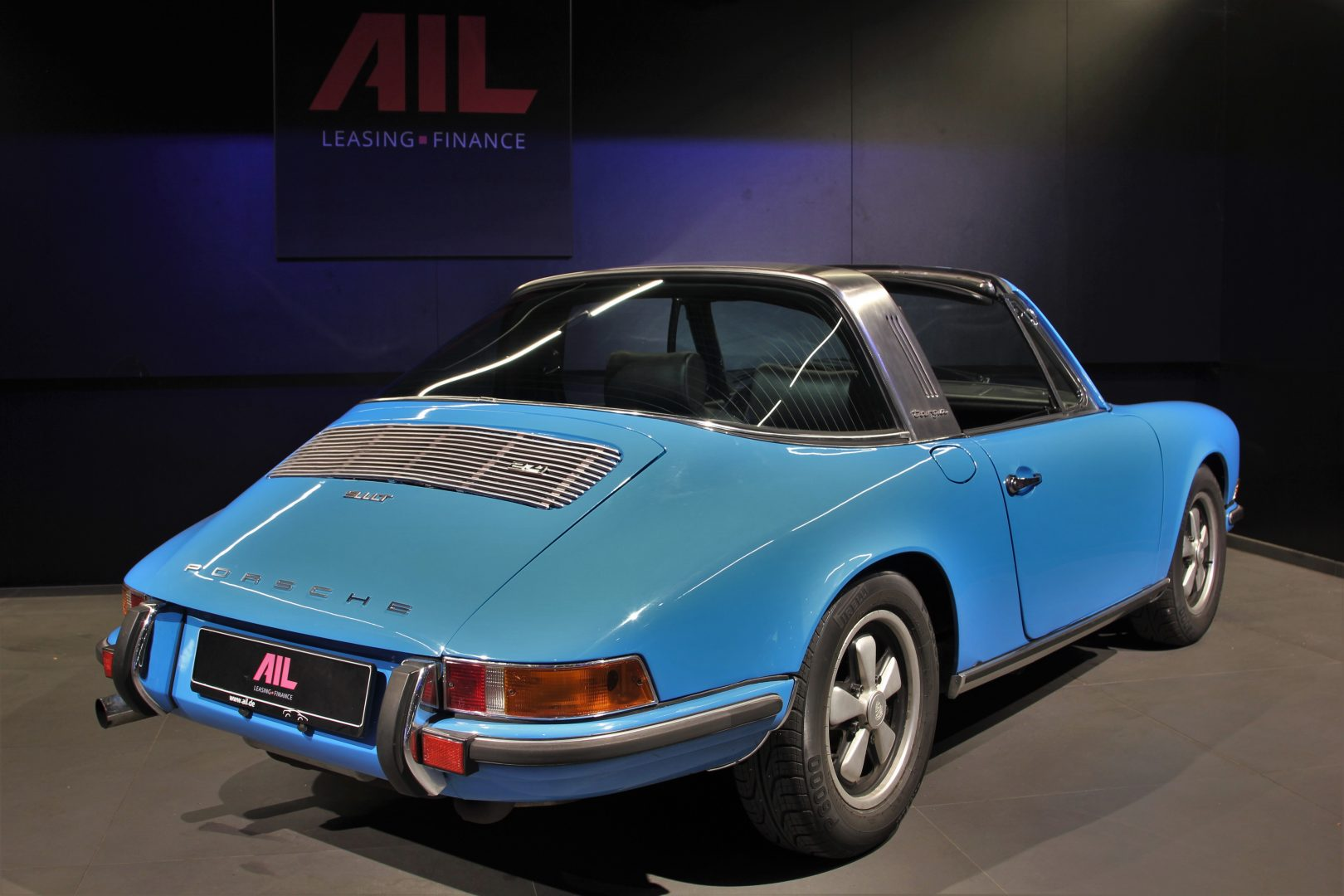 AIL Porsche 911 T Oelklappe  4