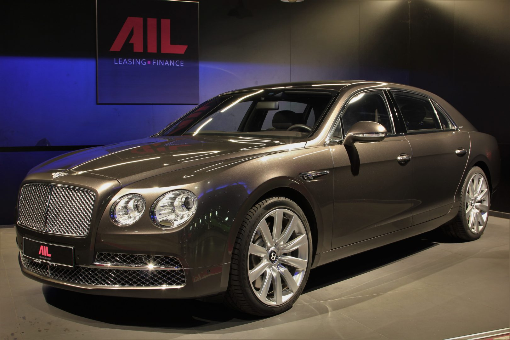 AIL Bentley Continental Flying Spur W12 15