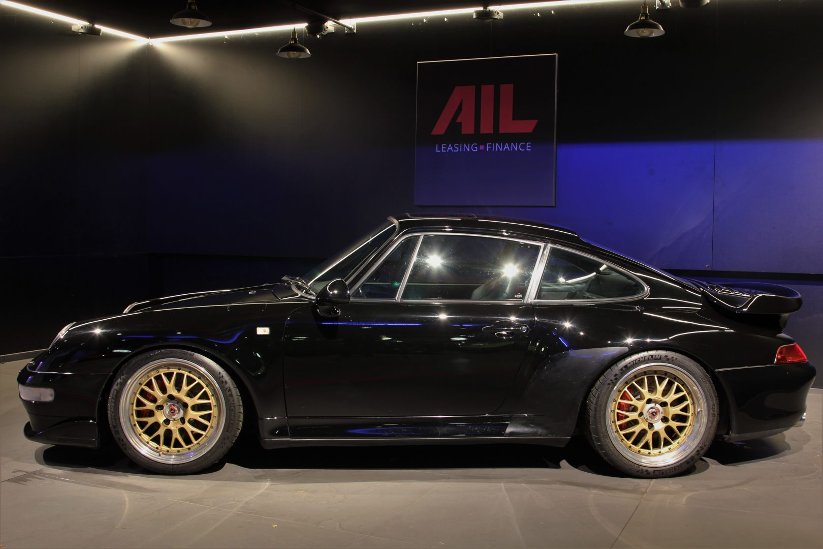 AIL Porsche 993 Turbo Carbon Paket  4