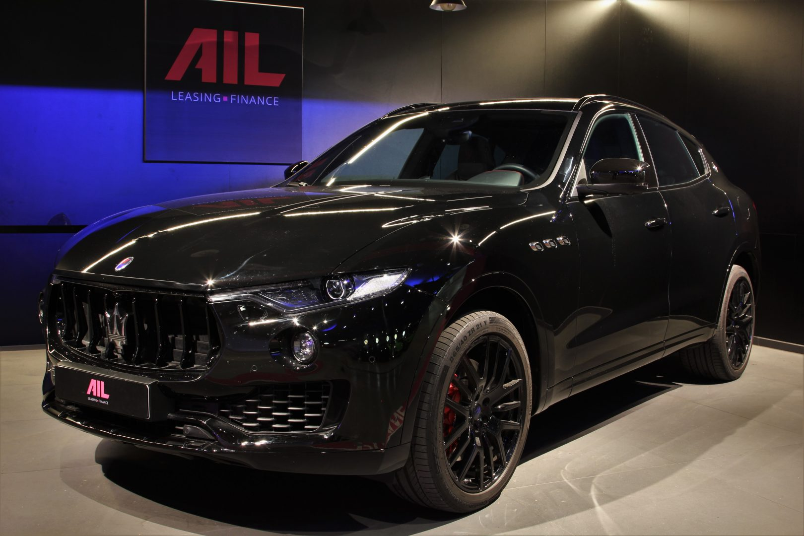 AIL Maserati Levante S Gransport Panorama Harman Kardon 11