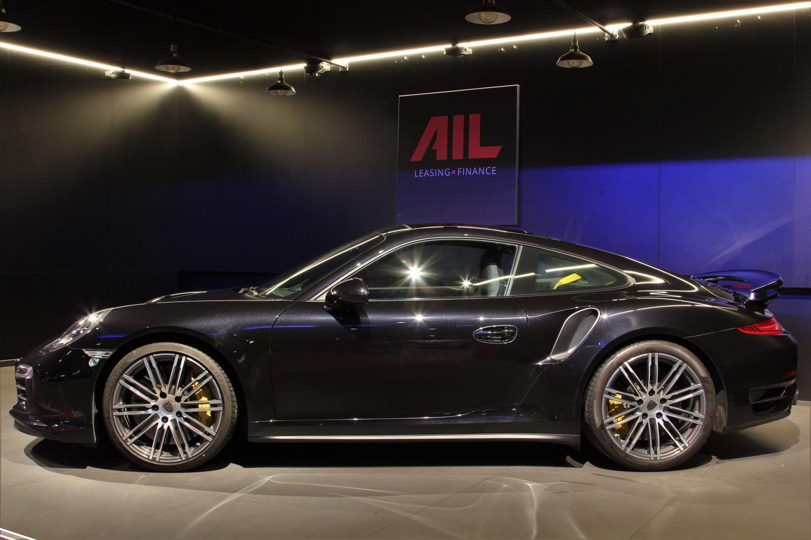 AIL Porsche 911 991 Turbo S Carbon Paket PCCB 11