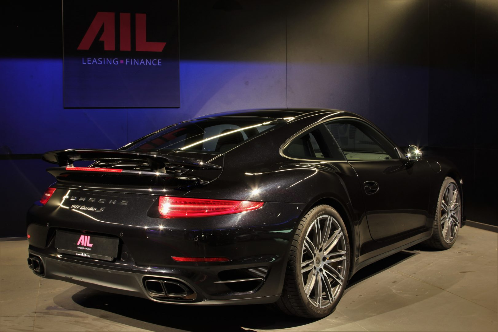 AIL Porsche 911 991 Turbo S Carbon Paket PCCB 1