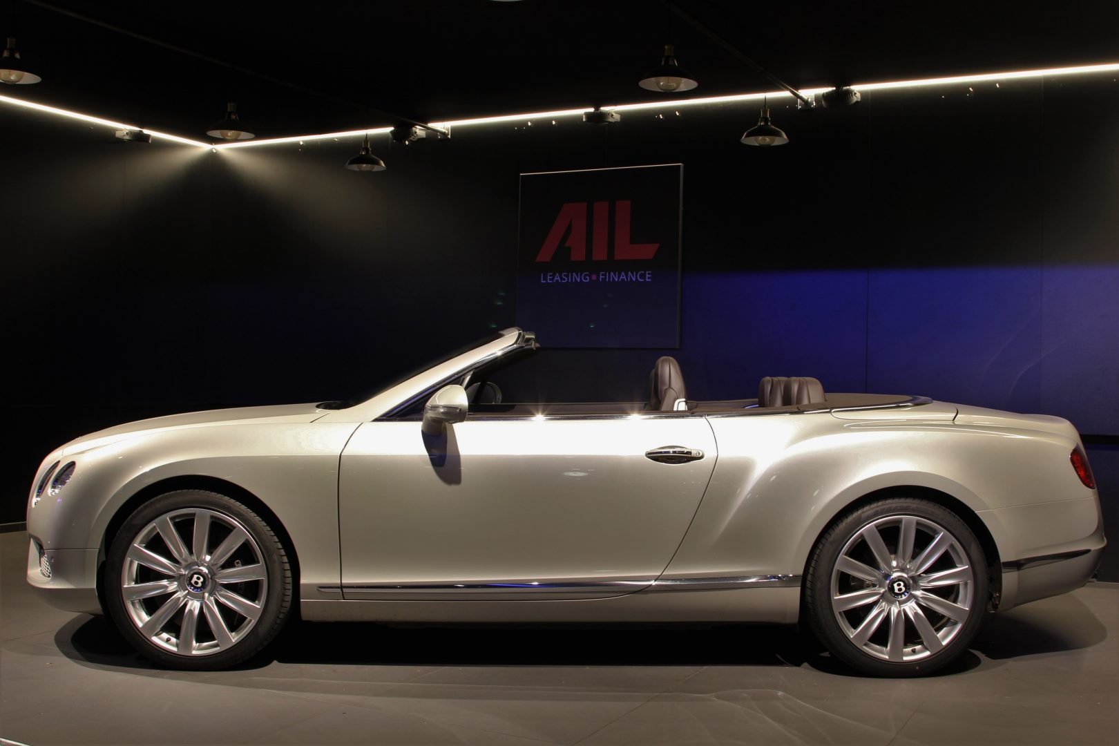 AIL Bentley Continental GTC V8 Mulliner  4