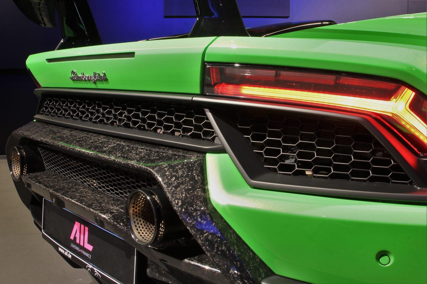 AIL Lamborghini Huracan Performante Spyder LP 640-4 Verda Mantis 1