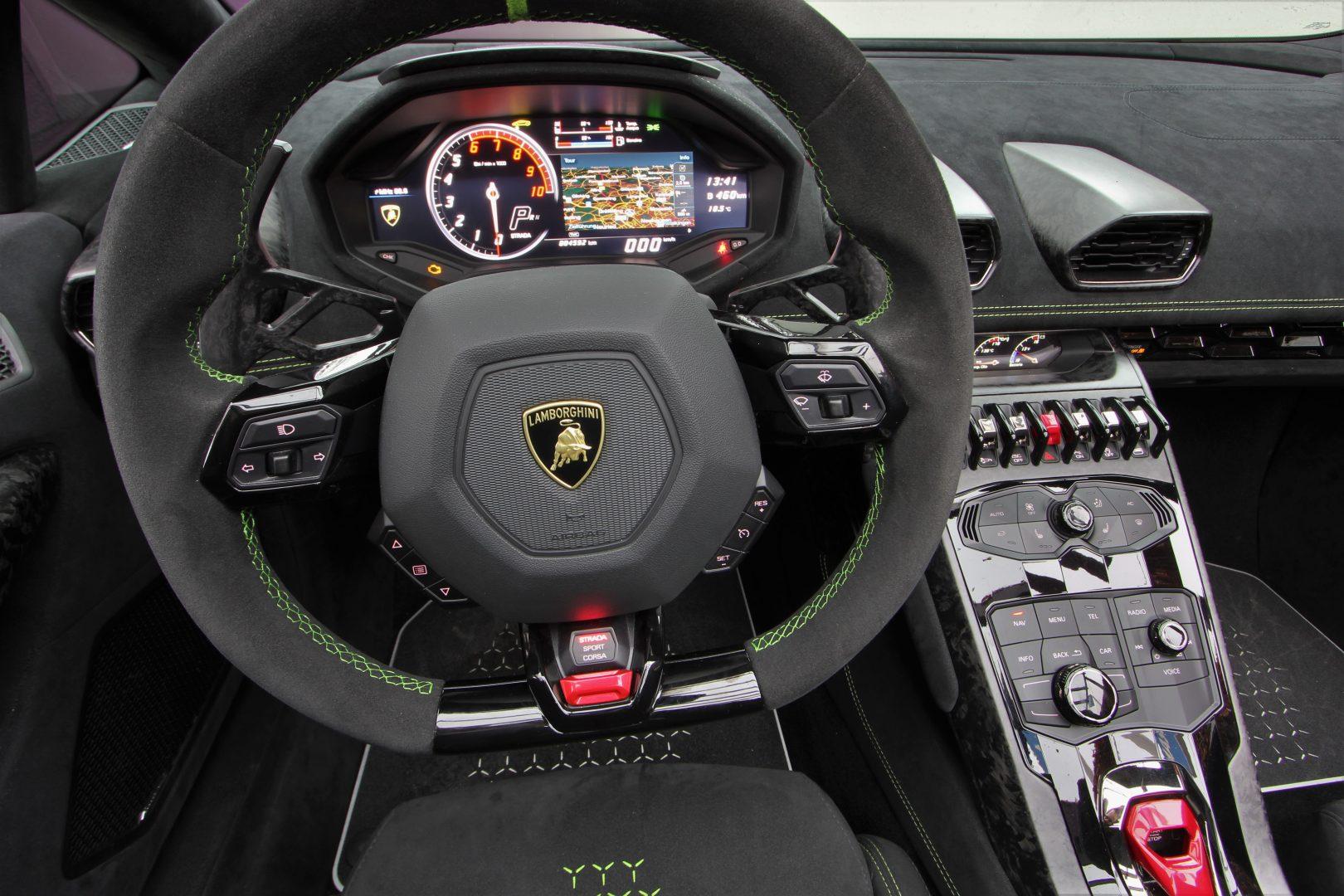 AIL Lamborghini Huracan Performante Spyder LP 640-4 Verda Mantis 8