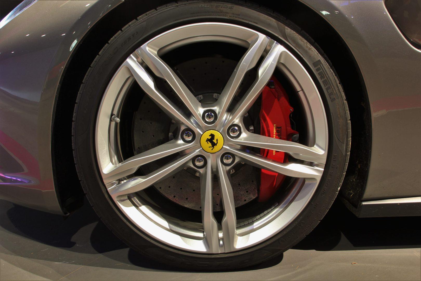 AIL Ferrari GTC4Lusso 8