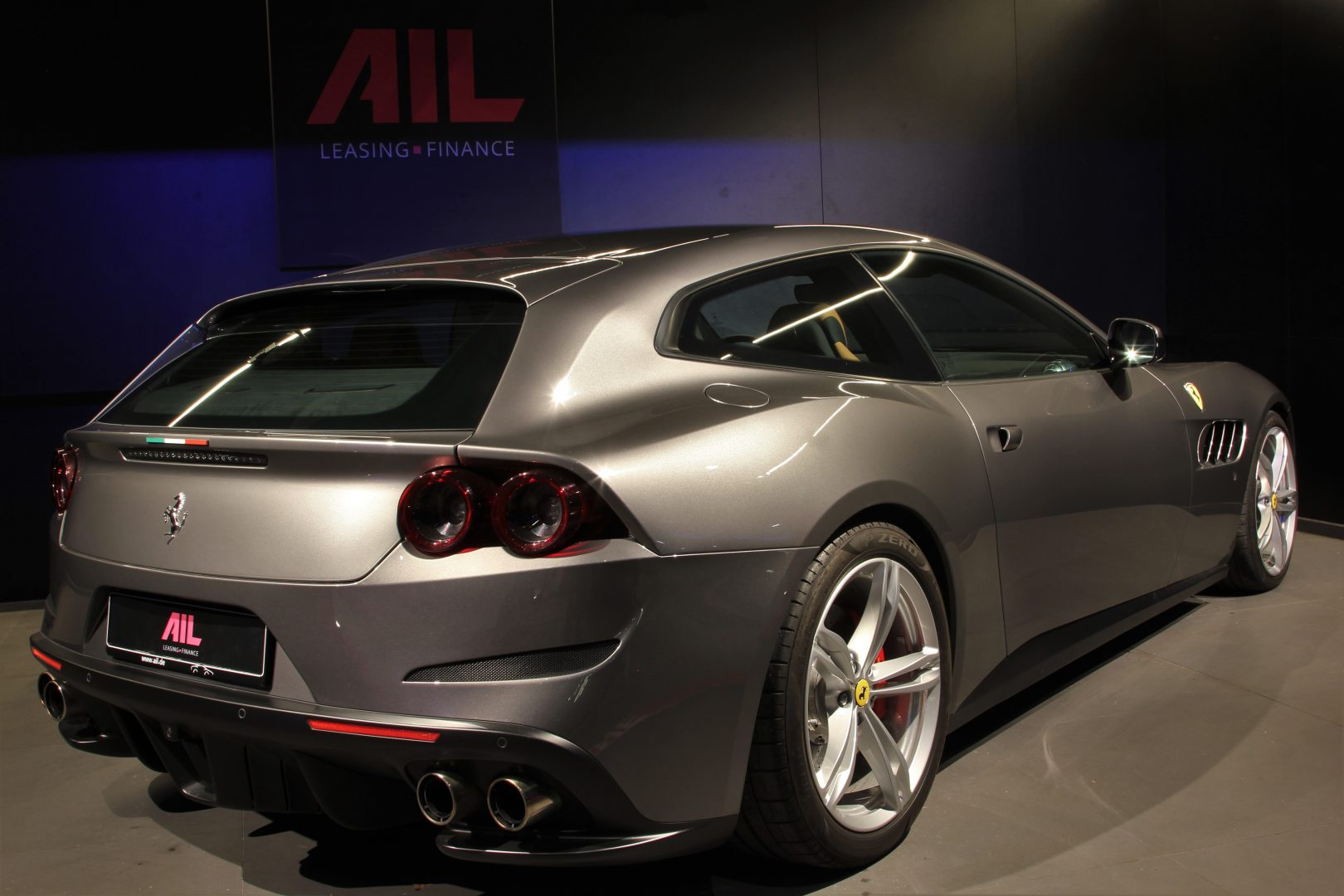 AIL Ferrari GTC4Lusso 4