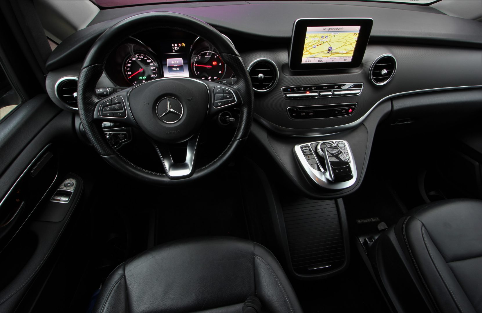 AIL Mercedes-Benz V 250 CDI/BT/d AVANTGARD LED  3