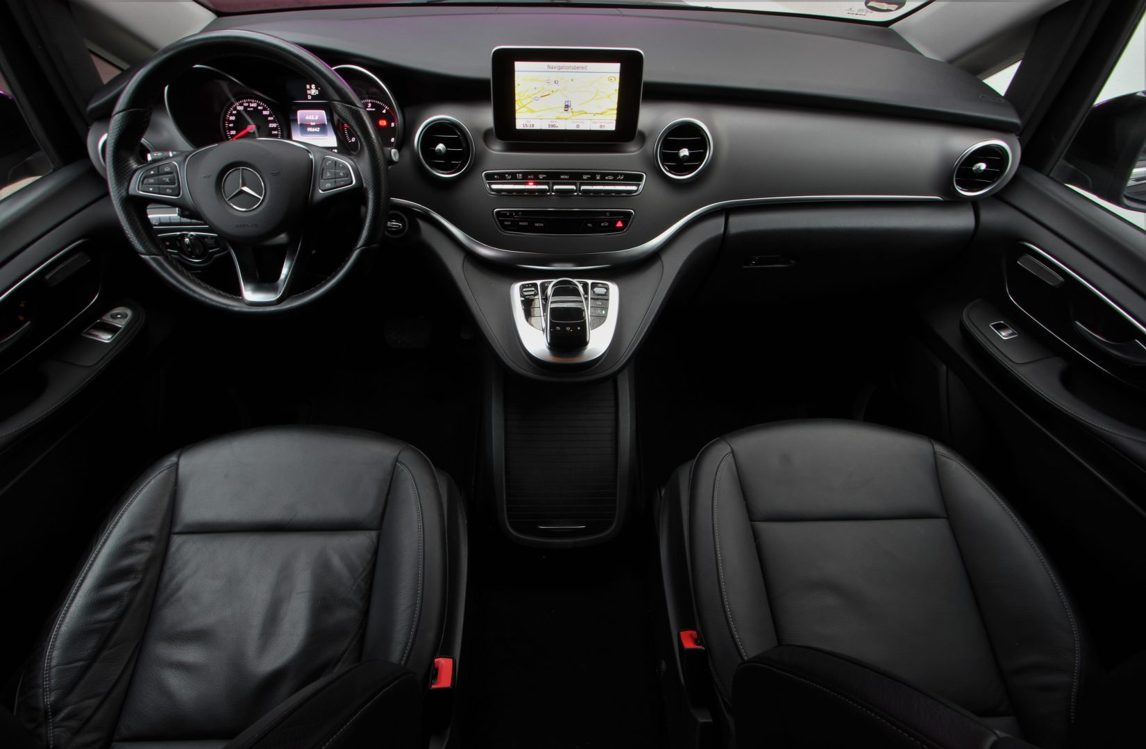 AIL Mercedes-Benz V 250 CDI/BT/d AVANTGARD LED  12