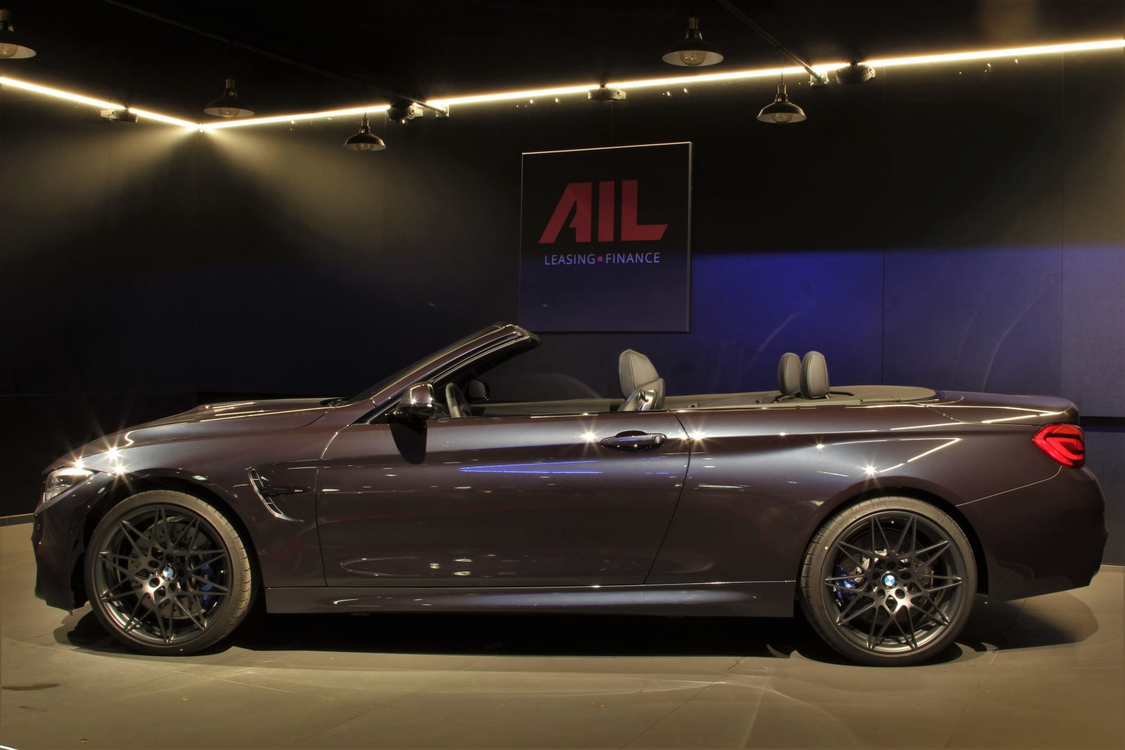 AIL BMW M4 Cabrio Edition 30 Jahre LED  6