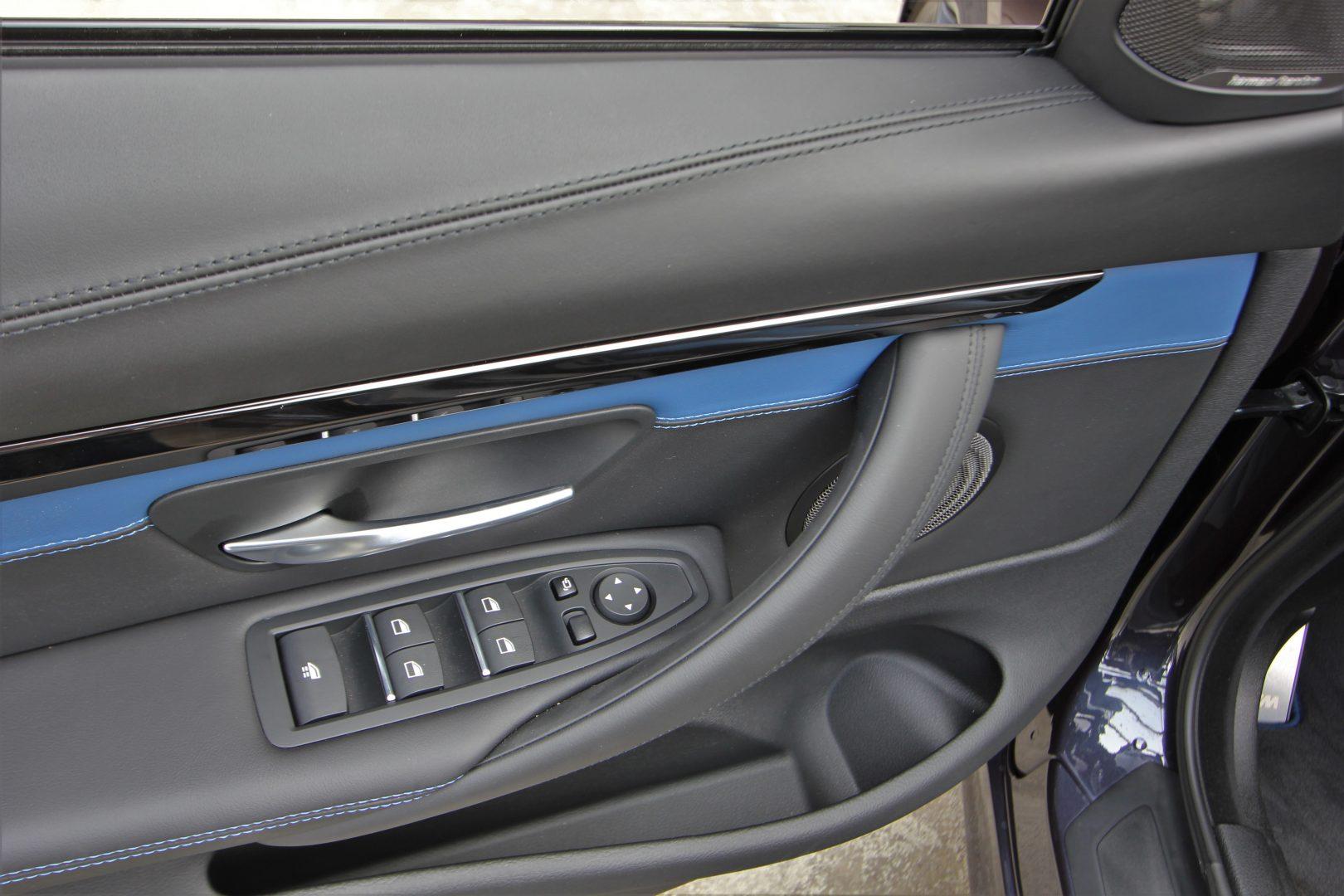 AIL BMW M4 Cabrio Edition 30 Jahre LED  12