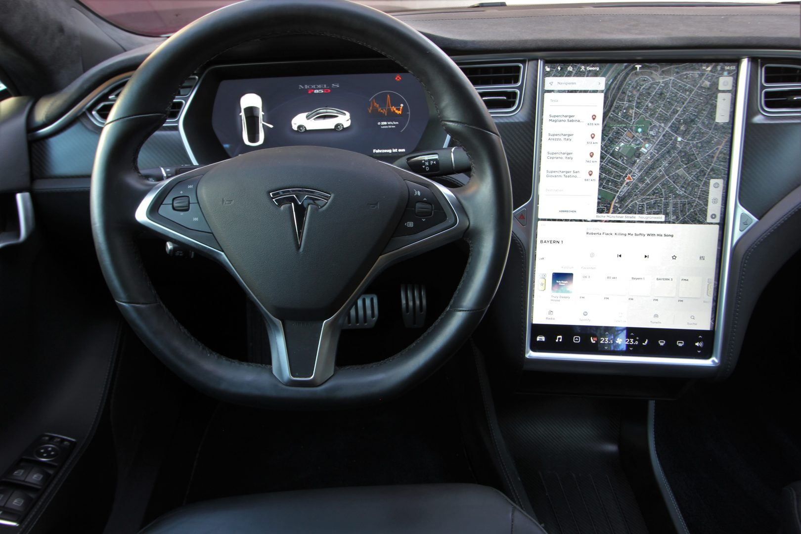 AIL TESLA Model S P85D Performance  9