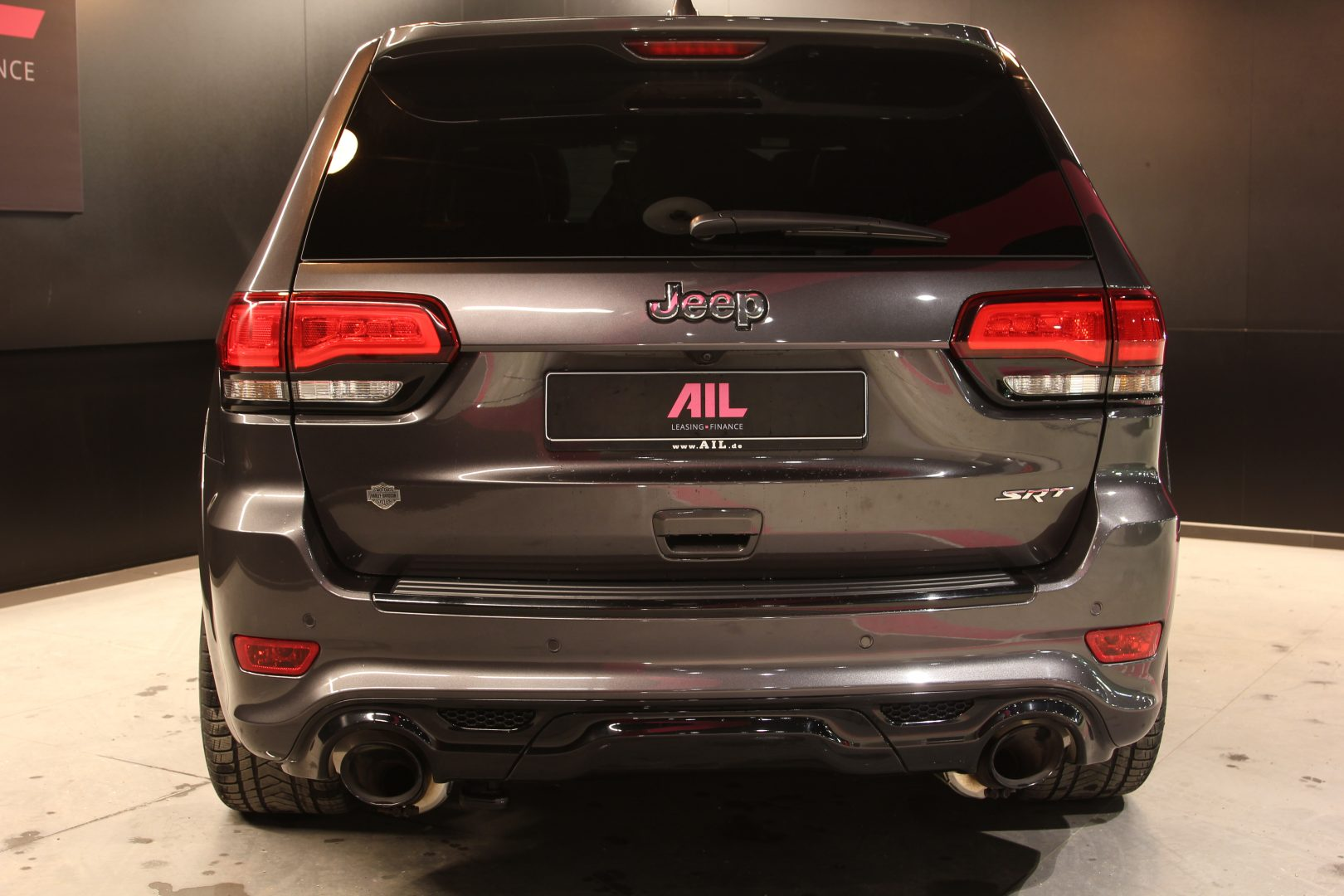 AIL Jeep Grand Cherokee SRT8 6.4 V8 HEMI 4