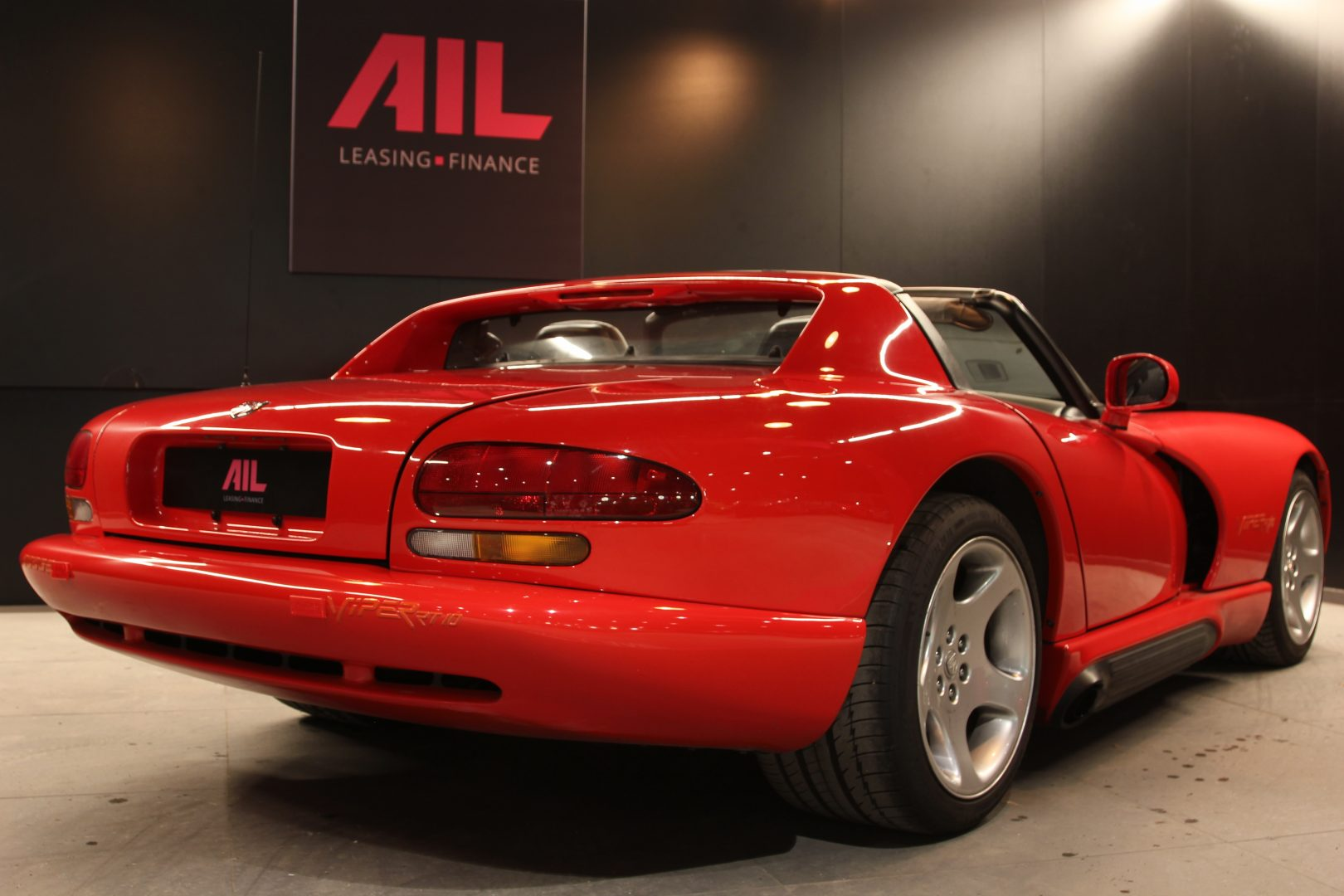 AIL Dodge Viper RT/10 3