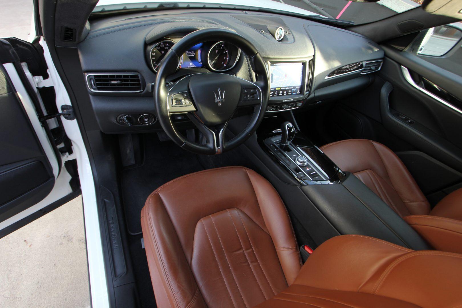 AIL Maserati Levante S  1