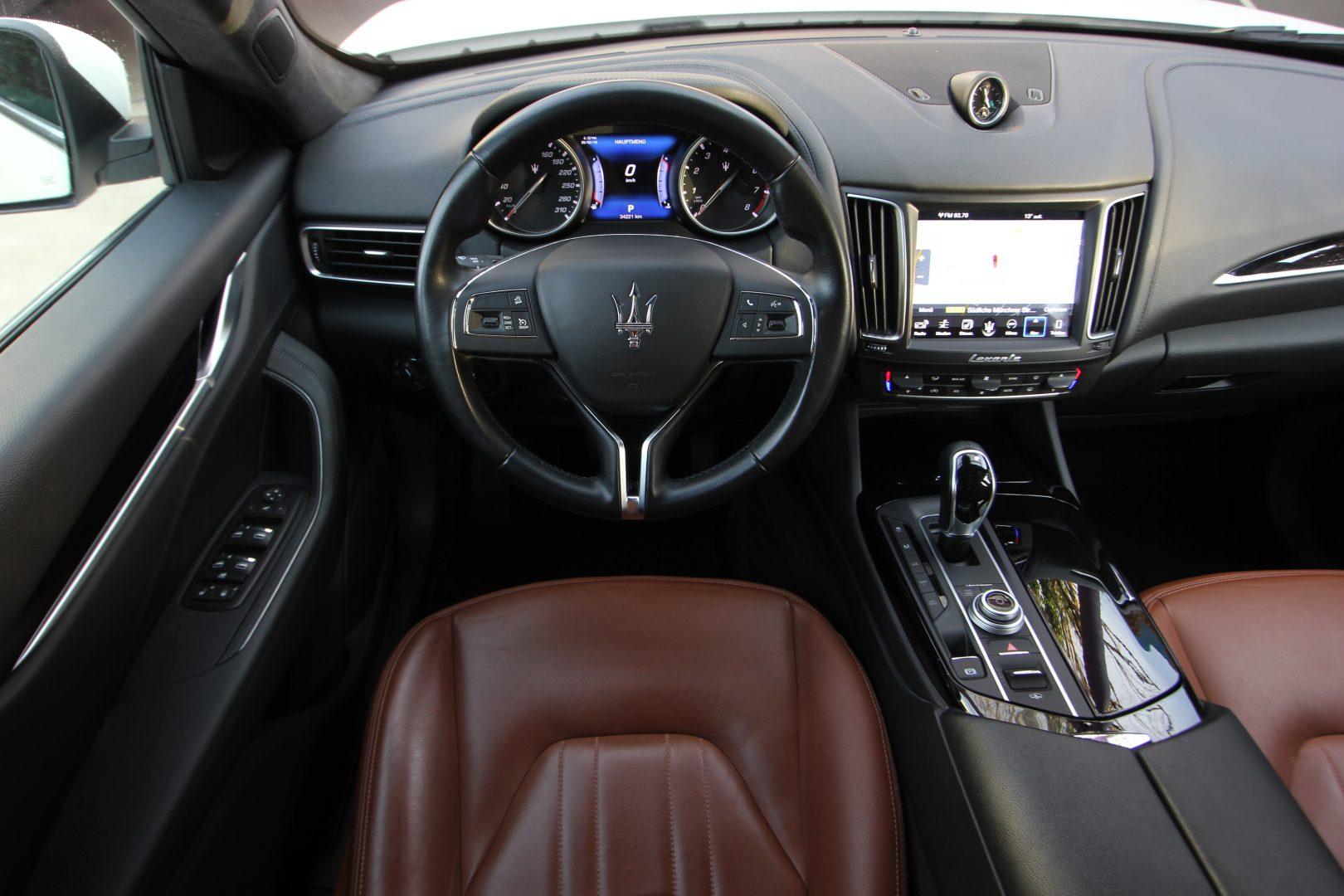 AIL Maserati Levante S  5