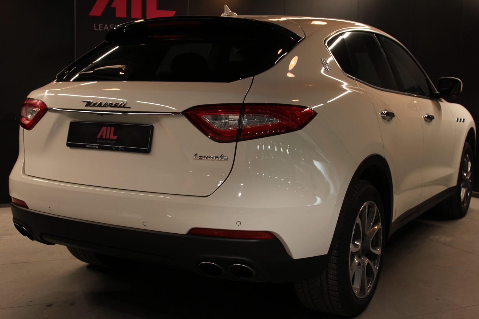 AIL Maserati Levante S  6