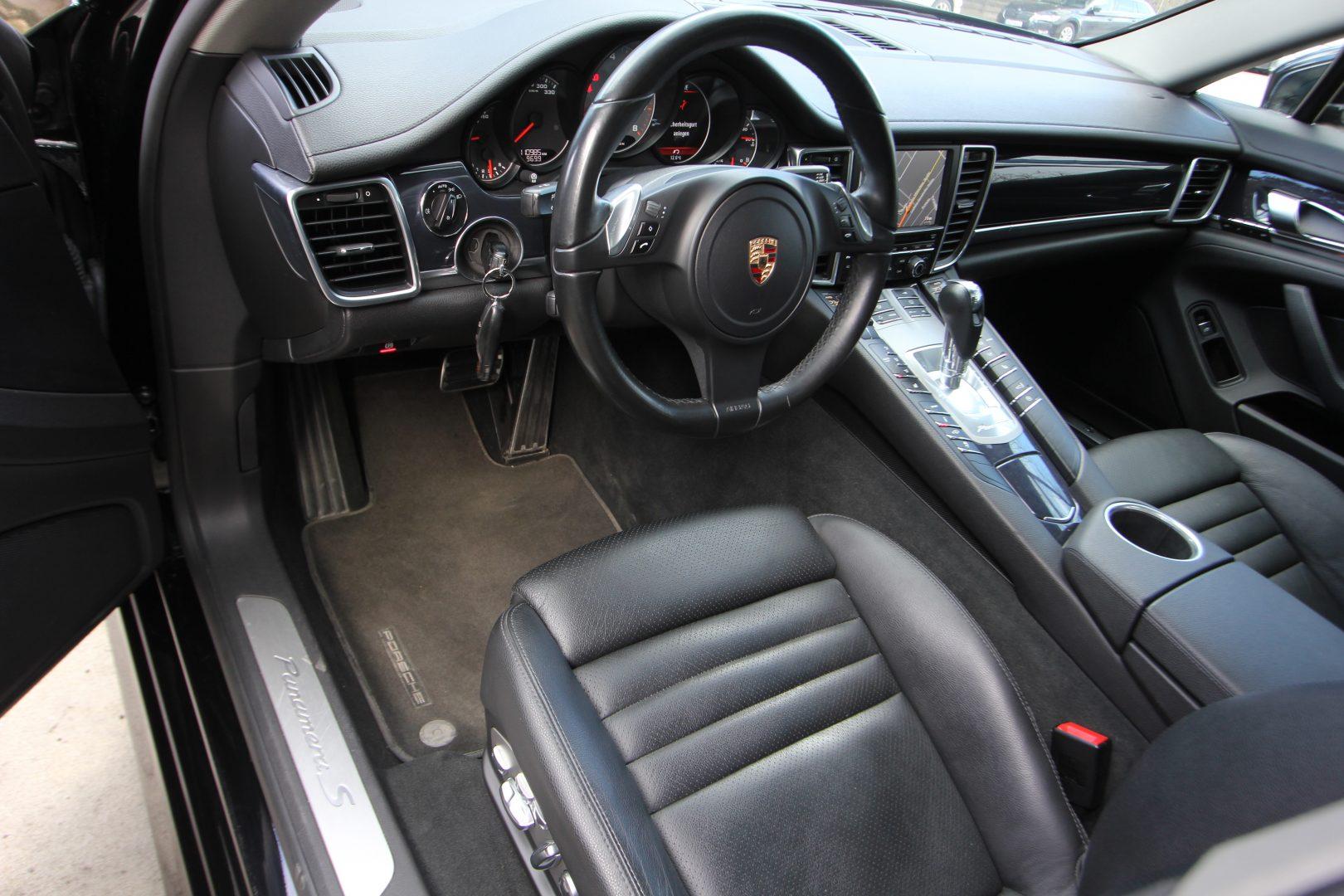 AIL Porsche Panamera S  8