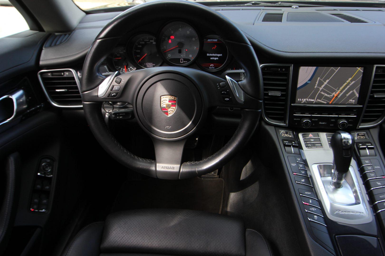 AIL Porsche Panamera S  12