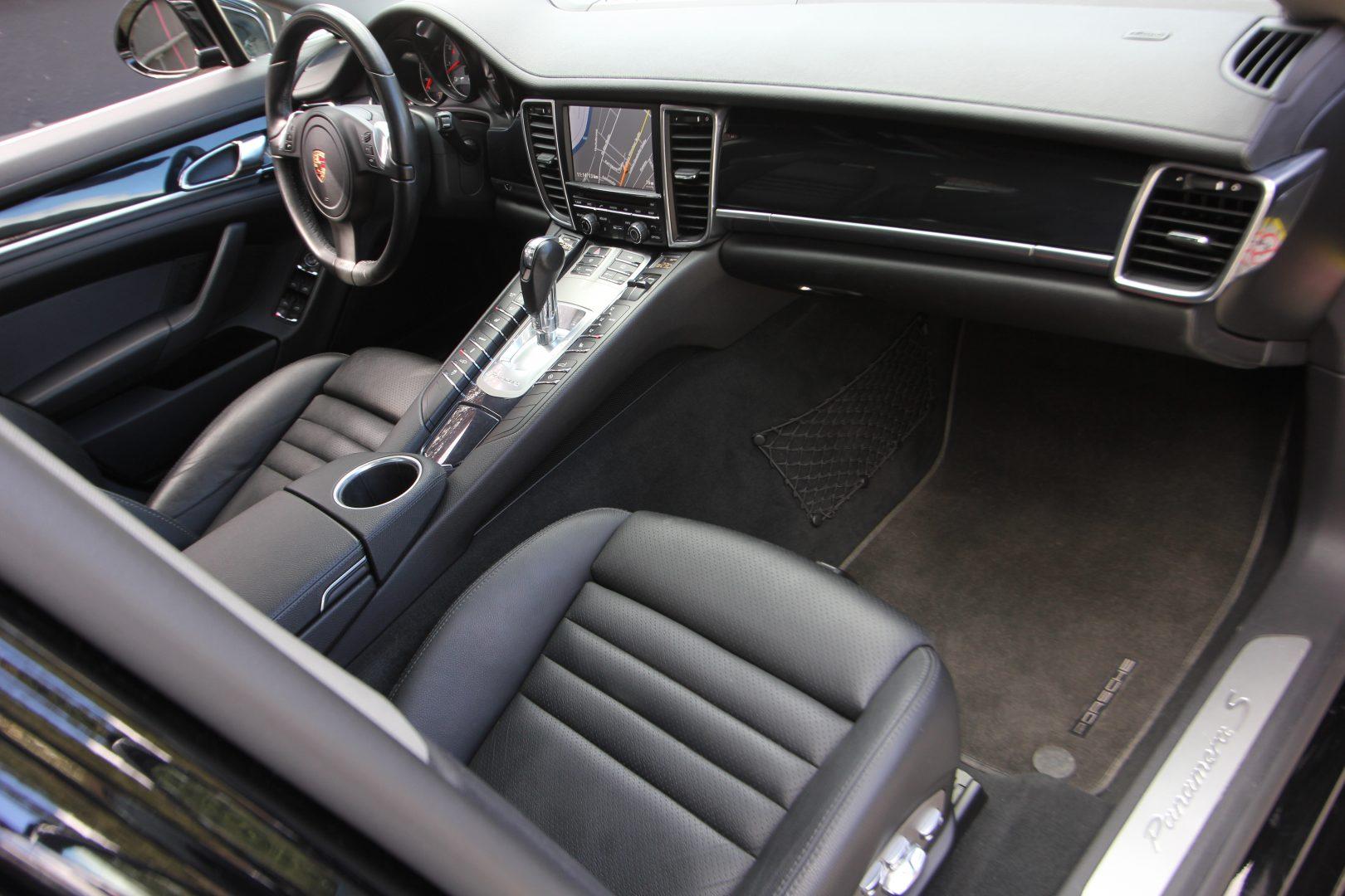 AIL Porsche Panamera S  4