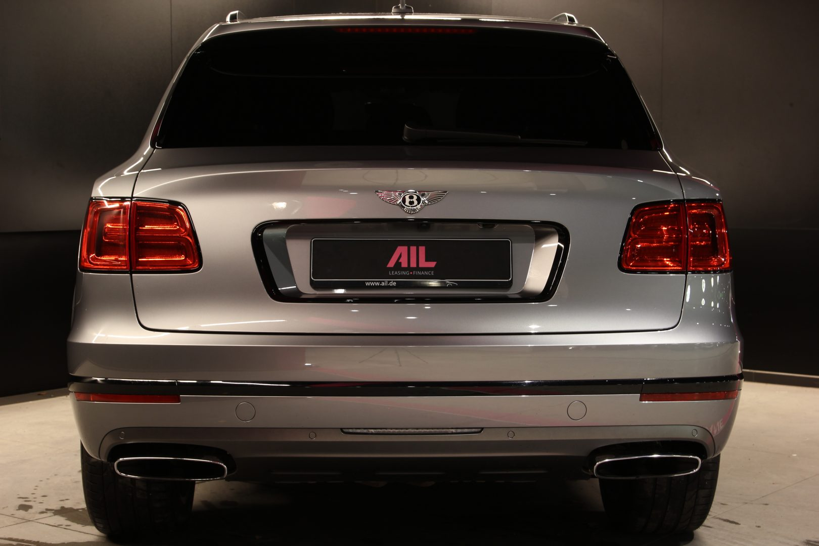 AIL Bentley Bentayga W12 10