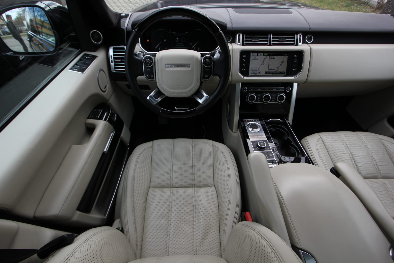 AIL Land Rover Range Rover Autobiography lang 4