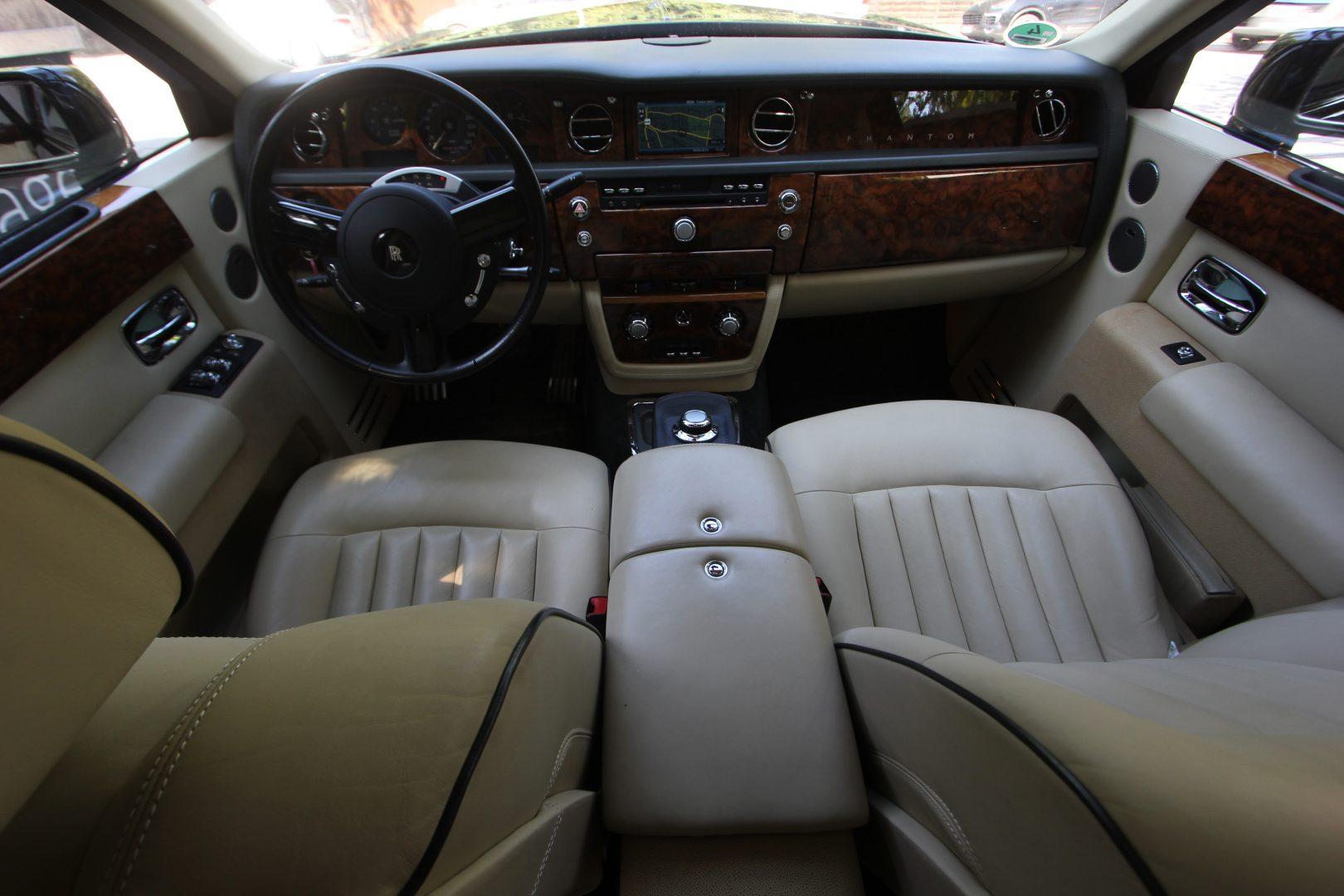 AIL Rolls Royce Phantom  11