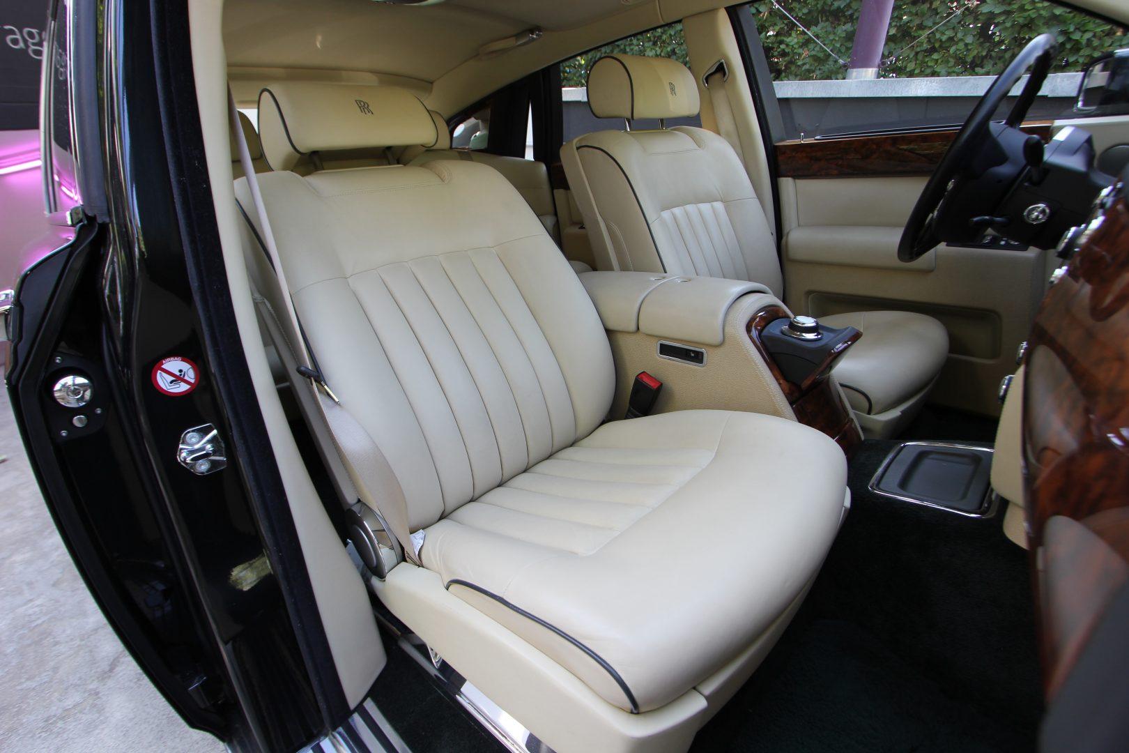 AIL Rolls Royce Phantom  4