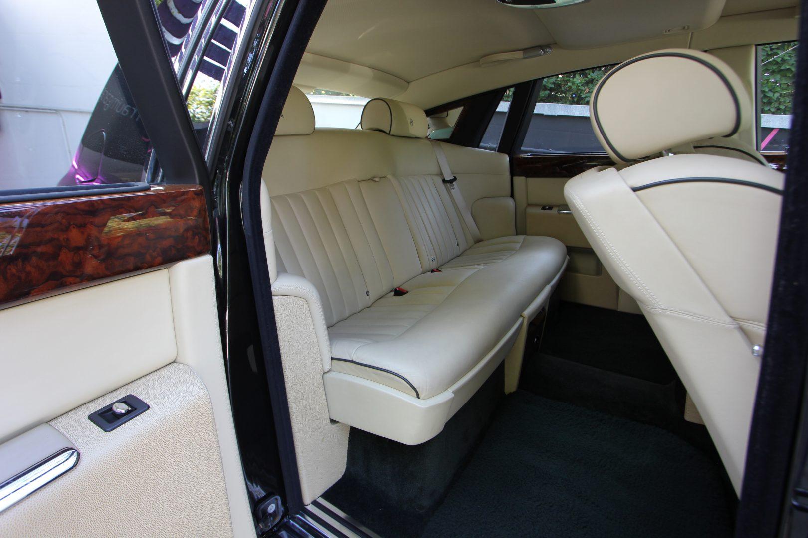 AIL Rolls Royce Phantom  5