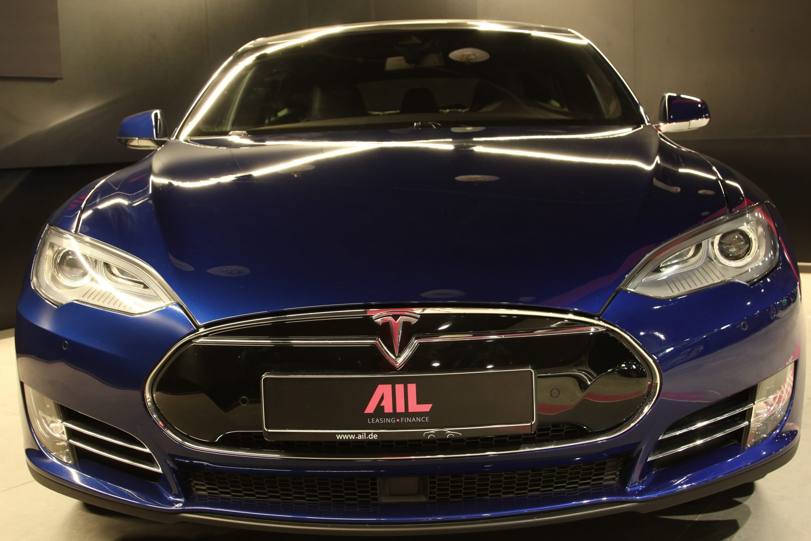 AIL TESLA Model S P85 D Performance  3