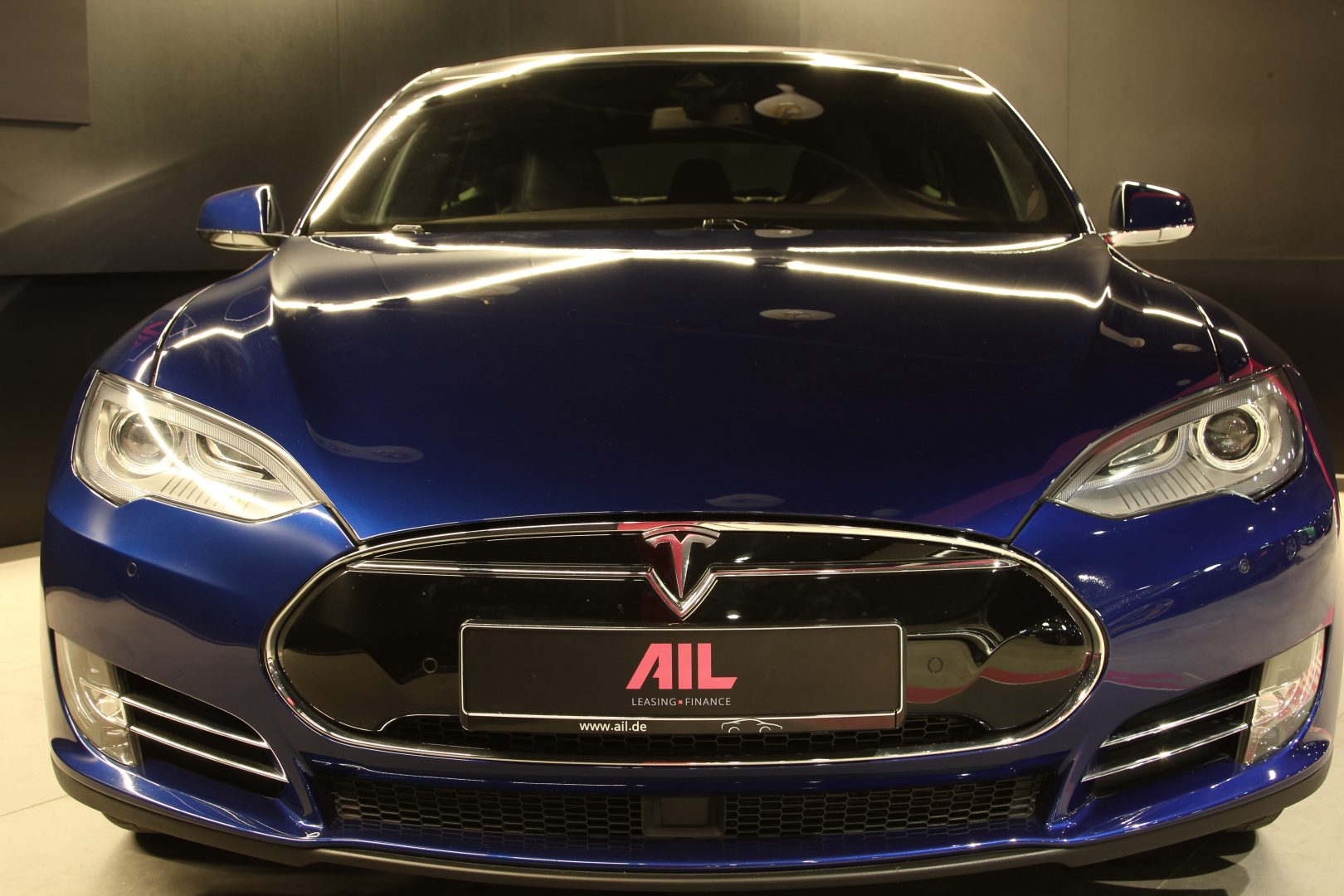 AIL TESLA Model S P85 D Performance  1