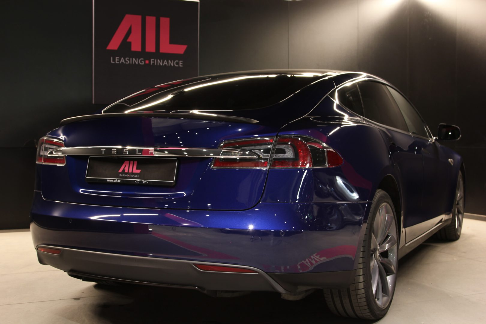 AIL TESLA Model S P85 D Performance  2