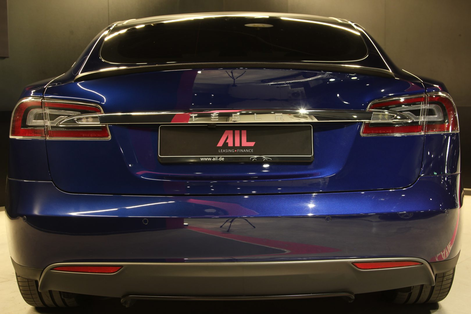 AIL TESLA Model S P85 D Performance  6