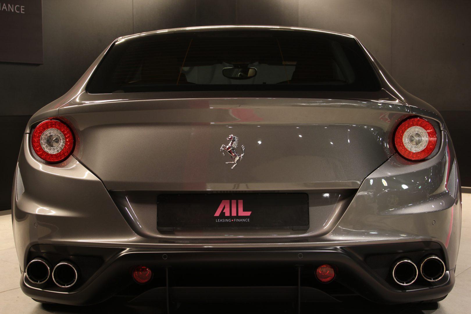 AIL Ferrari FF Grigio Lift Carbon-Paket  5