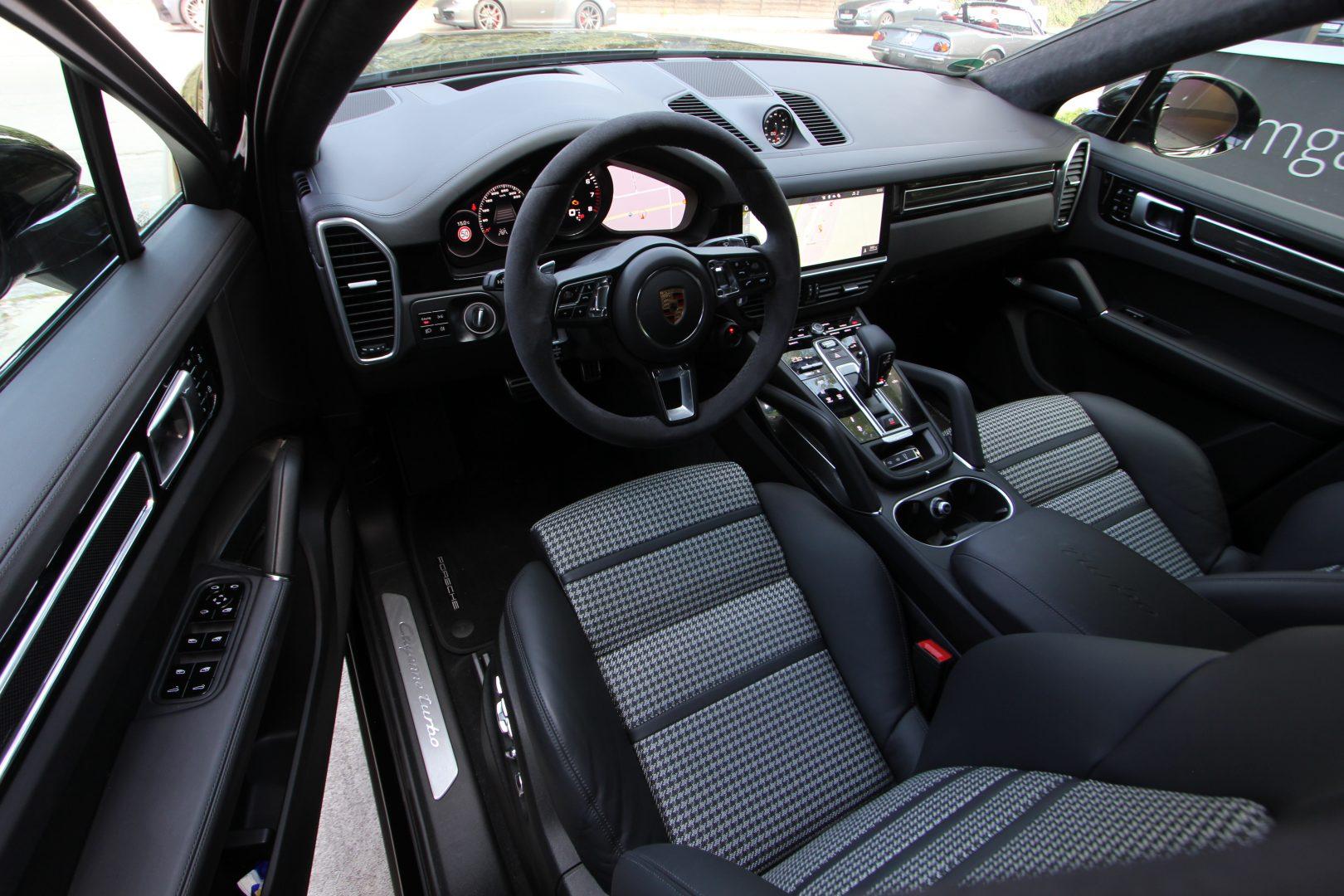 AIL Porsche Cayenne Turbo Coupe LED Matrix  Carbon 8