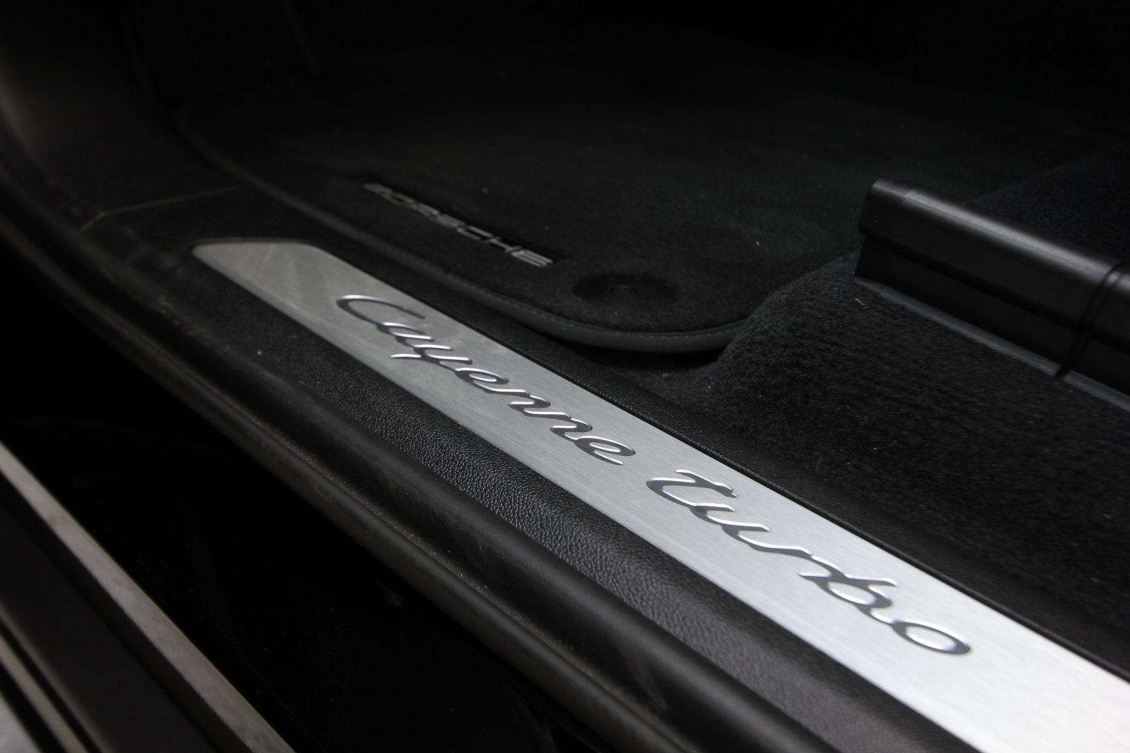 AIL Porsche Cayenne Turbo Coupe LED Matrix  Carbon 11