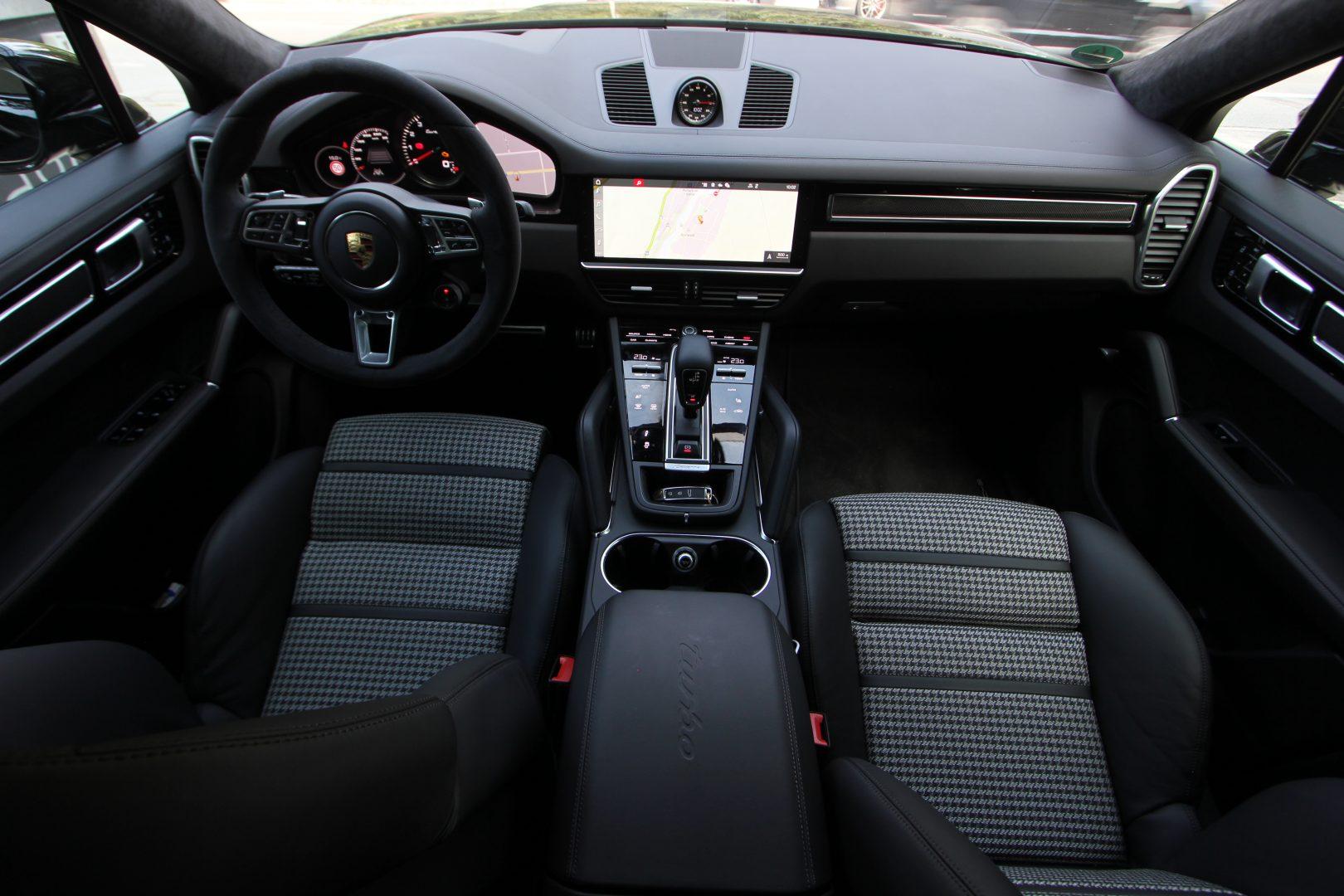 AIL Porsche Cayenne Turbo Coupe LED Matrix  Carbon 10