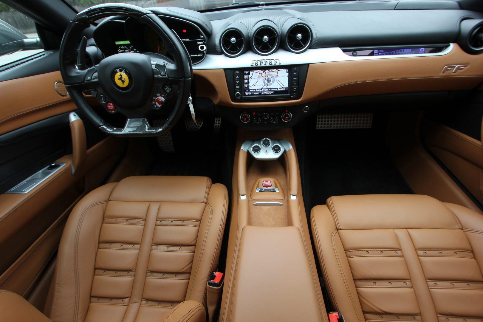 AIL Ferrari FF Grigio Lift Carbon-Paket  9