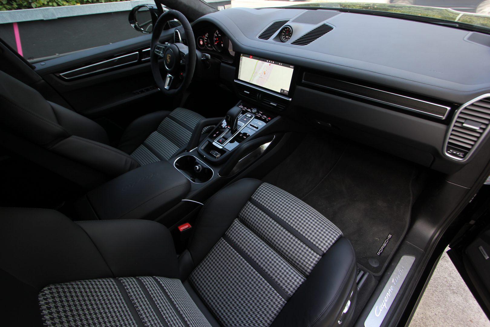AIL Porsche Cayenne Turbo Coupe LED Matrix  Carbon 13