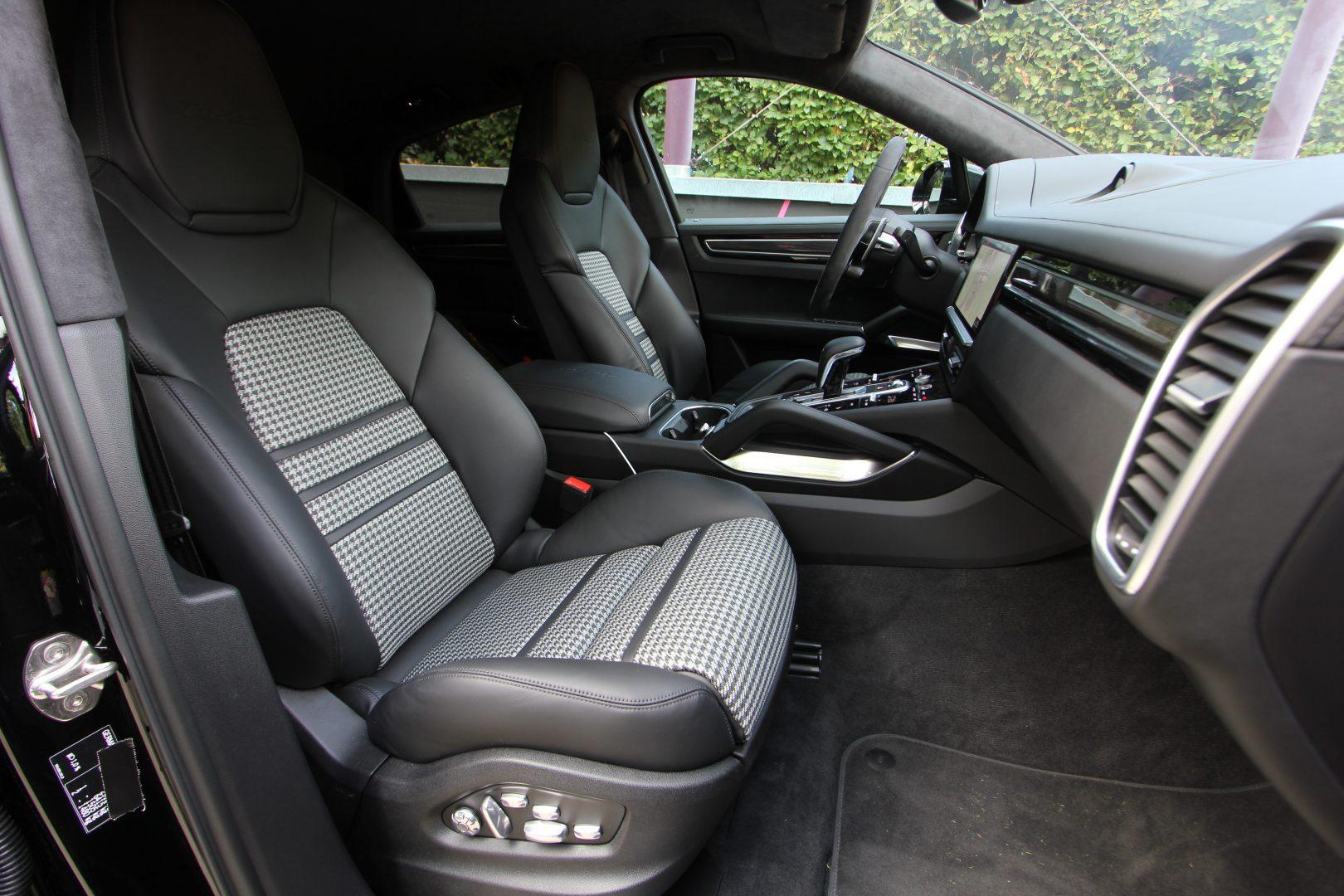 AIL Porsche Cayenne Turbo Coupe LED Matrix  Carbon 6