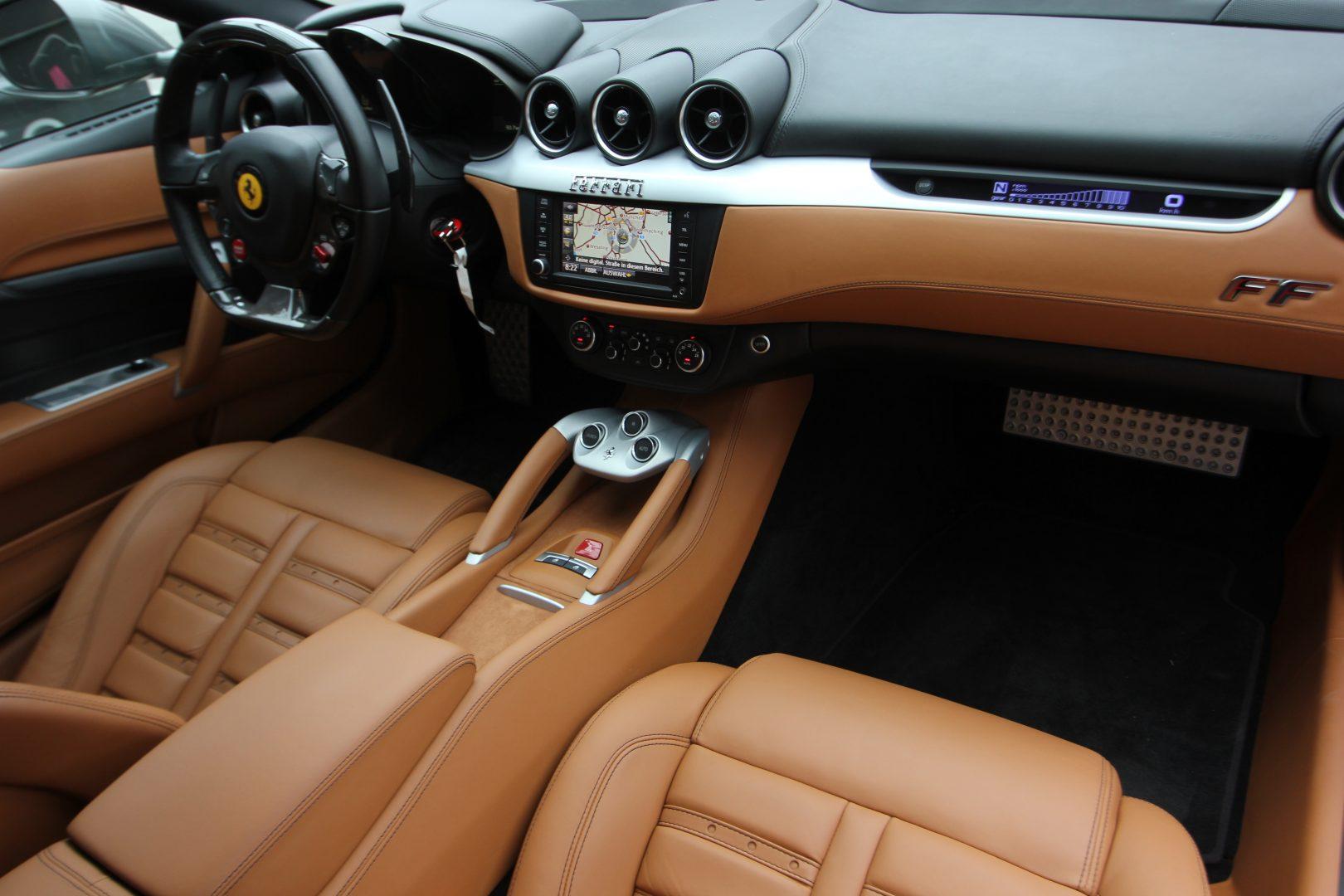 AIL Ferrari FF Grigio Lift Carbon-Paket  4