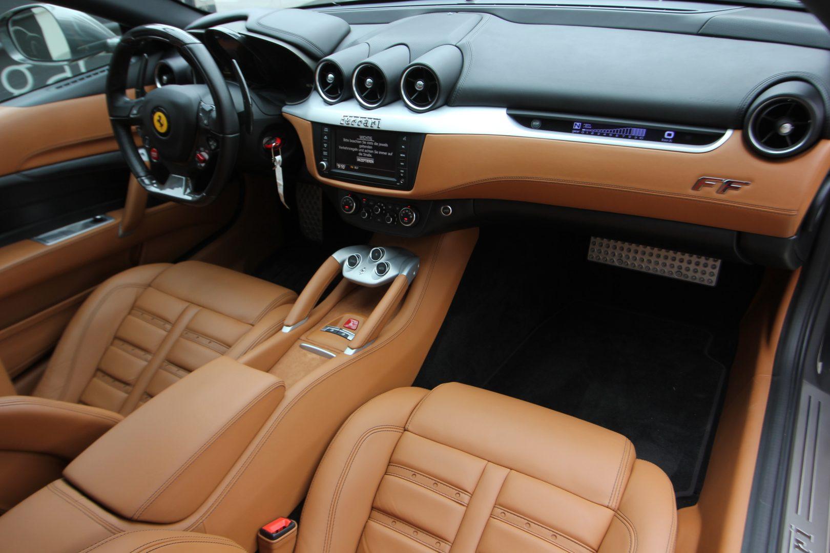AIL Ferrari FF Grigio Lift Carbon-Paket  13