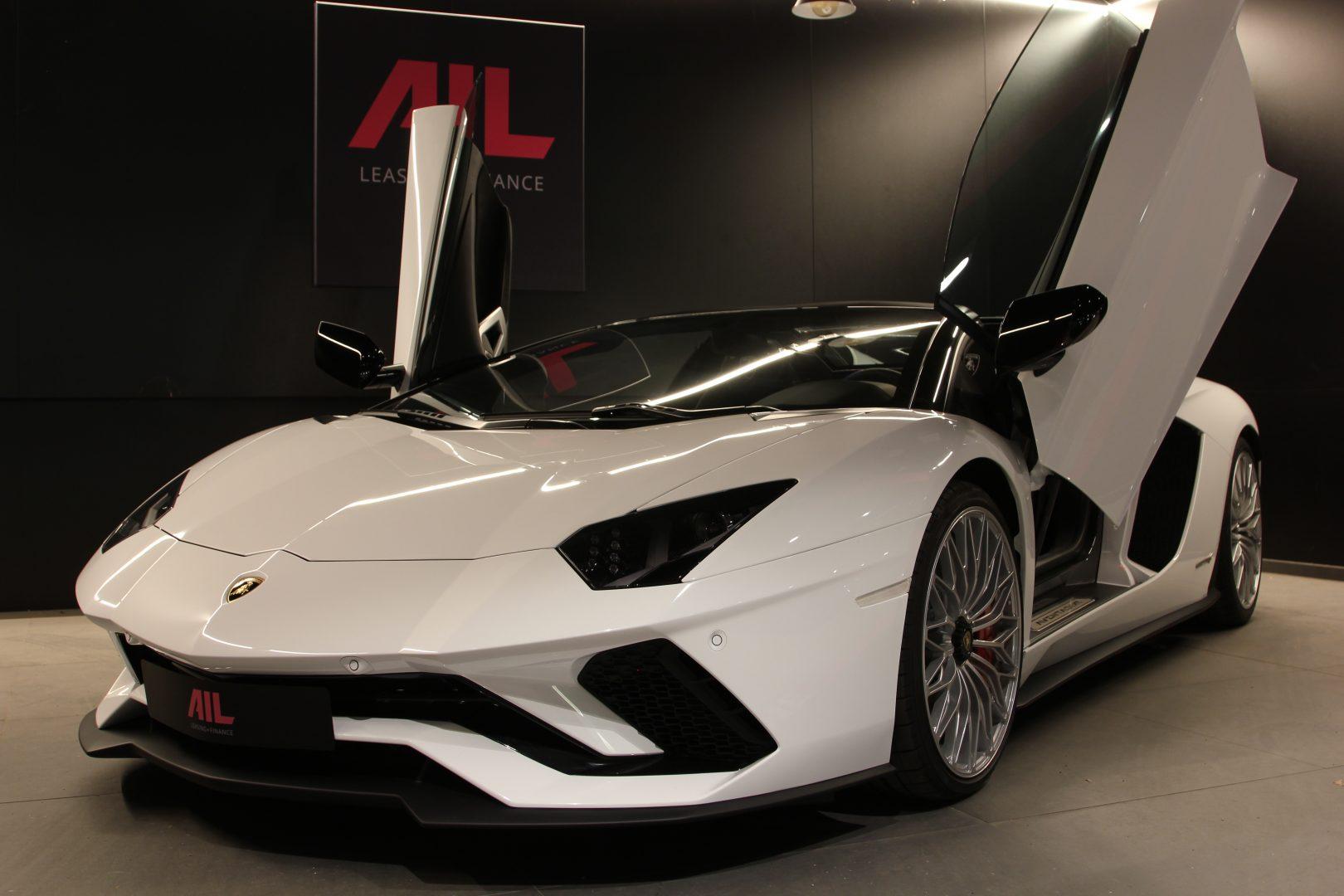 AIL Lamborghini Aventador S Roadster 6