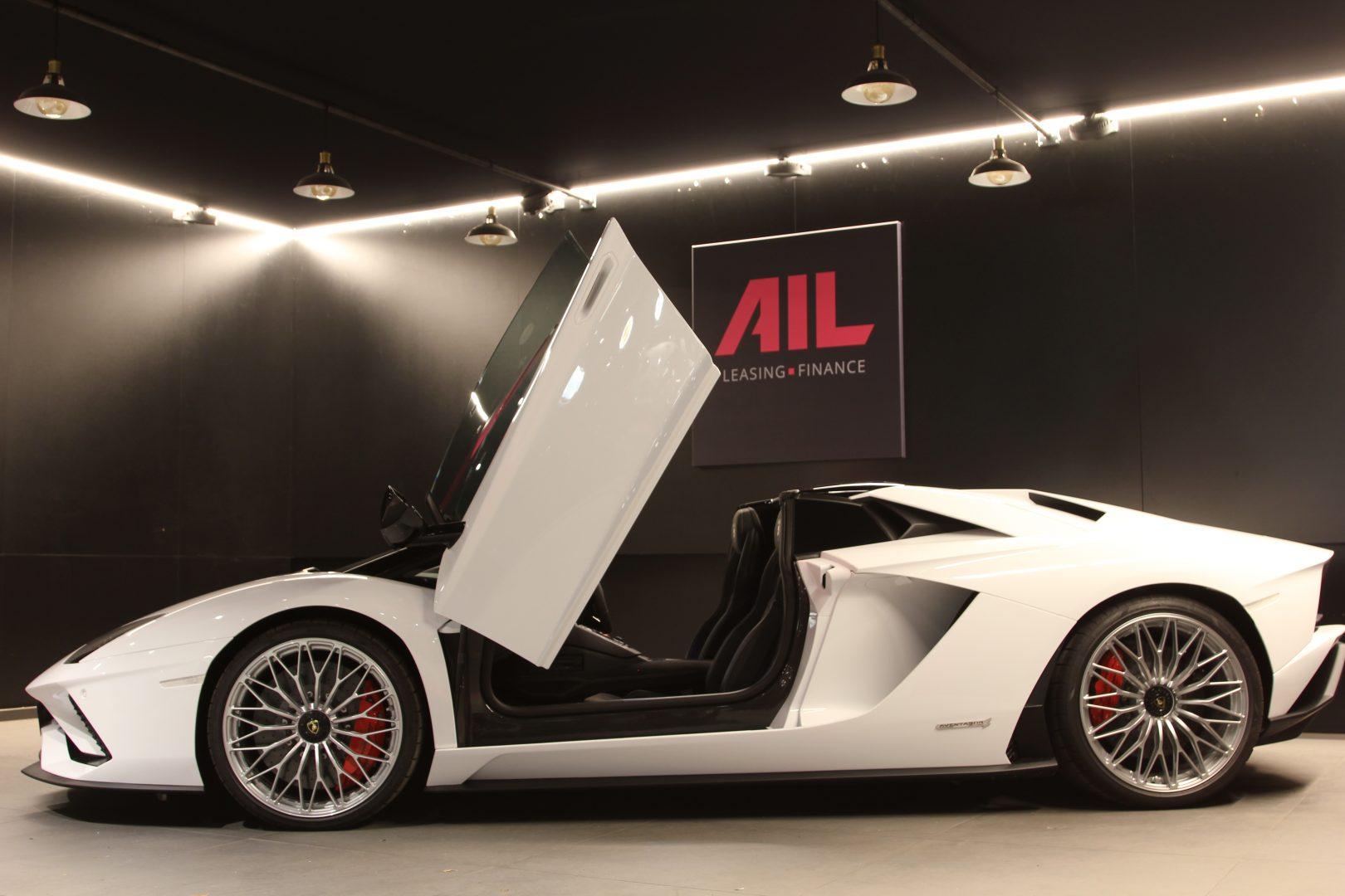 AIL Lamborghini Aventador S Roadster 1