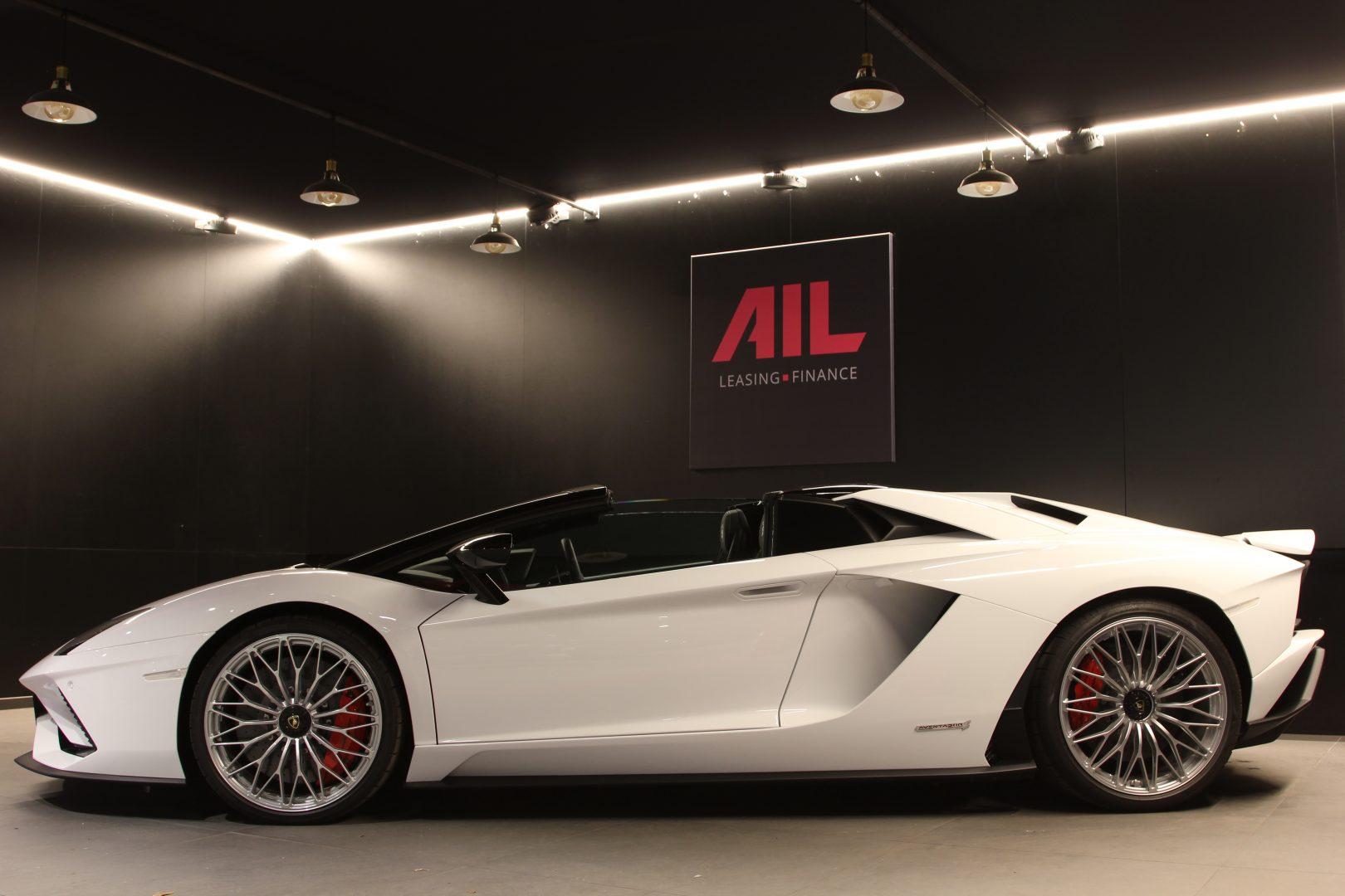 AIL Lamborghini Aventador S Roadster 7