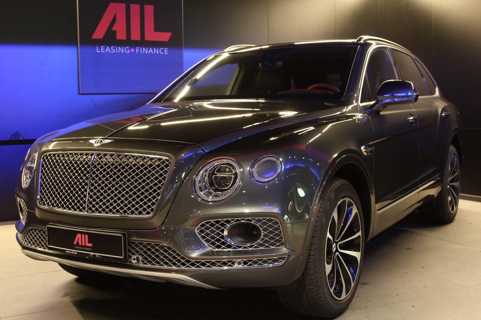 AIL Bentley Bentayga V12 Bi-Turbo RSE Panorama DAB 4